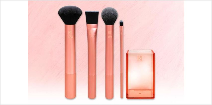 £14 instead of £17 for a Real Techniques flawless base makeup brush set - save 30% from Wowcher