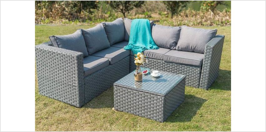 £289 instead of £970 (from Dreams Outdoors) for a five-seater Yakoe Monaco modular durable polyrattan corner sofa set or £319 for a five-seater set with a cover - save 70% from Wowcher