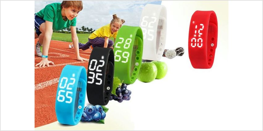 £7.99 instead of £19.99 for a kids' smart fitness activity watch - choose from five colours from Ugoagogo - save 60% from Wowcher