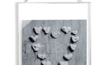 Distressed Pebble Heart Glass Print Wall Hanging