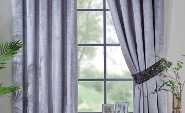 Velvet Splash Top Border Eyelet Curtains