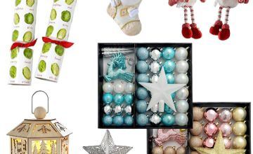 Clearance: up to 60% off Christmas crackers, stockings, baubles and decorations