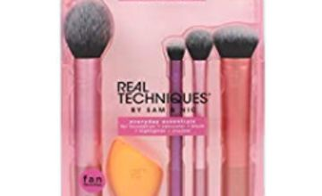 45% off Real Techniques Everyday Essentials Makeup Brush Set