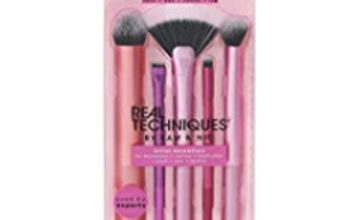 42% off Real Techniques Artist Essentials Makeup Brush Set