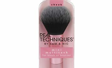 Real Techniques Mini Travel Size Multitask Makeup Brush for Blush, Bronzer or Highlighter (Packaging and Handle Colour May Vary)