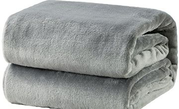 Bedsure Flannel Fleece Throw Blankets- Super Soft Fluffy Warm Solid Bed Throw for Sofa
