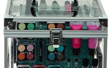 15% off Technic Essentials Clear Carry Case Make-up Set