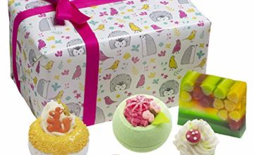 Bomb Cosmetics Into the Woods Handmade Wrapped Bath & Body Gift Pack [Contains 5-Pieces], 500g