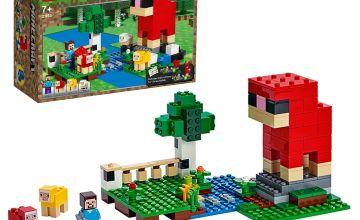 LEGO Minecraft The Wool Farm Playset - 21153