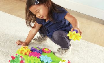 Gears Build And Spin Flower Garden.