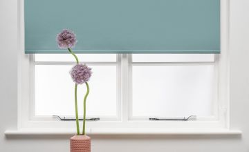 Argos Home Blackout Insulating Roller Blind - Egg Shell Blue