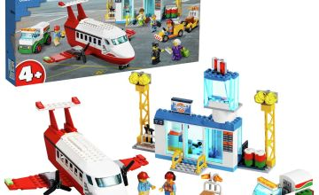 LEGO City 4+ Central Airport Charter Plane - 60261