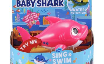 Robo Alive Junior Mommy Shark Sing and Swim Bath Toy