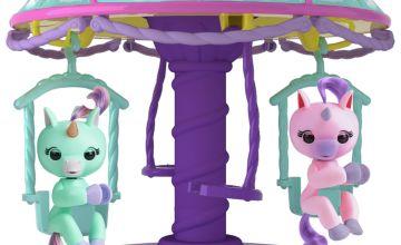 Fingerlings Playset with 2 Fingerlings Unicorns