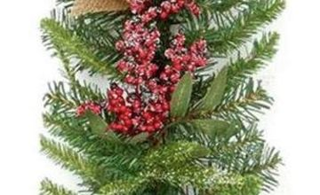 Premier Decorations 1.8m Natural Frosted Garland Berry Cone
