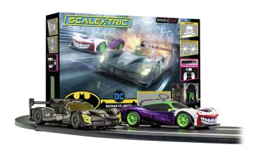 Scalextric Batman vs Joker Spark Plug 1:32