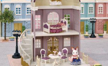 Sylvanian Families Elegant Town Manor Gift Set