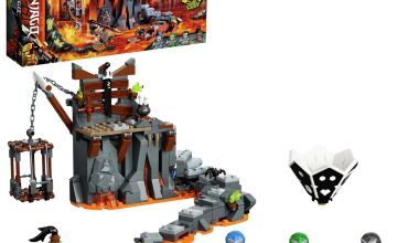 LEGO Ninjago Journey to the Skull Dungeons Game Set - 71717