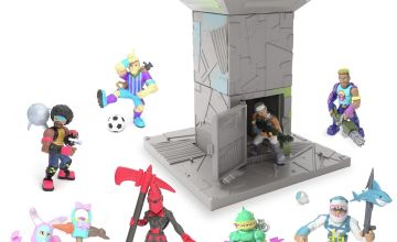 Fortnite The Battle Royale Collection Fort and Figures