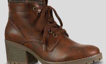 Sole Comfort Brown Lace Up Walker Boots
