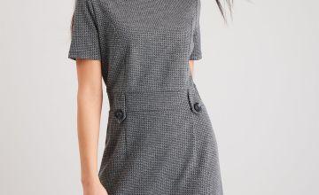 Monochrome Tab Waist Shift Dress