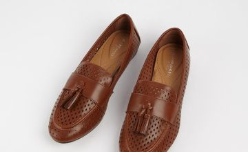 Sole Comfort Tan Tassel Loafers