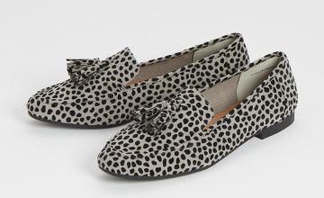 Sole Comfort Animal Print Slipper Cut Loafer