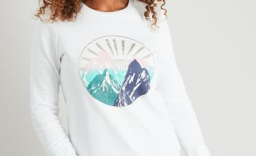 Cream Mountain Scene Sweatshirt