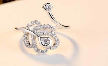 £10 instead of £109.99 (from Gemnations) for an adjustable open heart ring made with crystals from Swarovski ® - save 91%