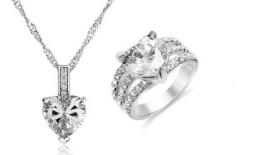 £15.99 instead of £199.98 (from Gemnations) for a clear heart crystal jewellery set cleaner - save 92%