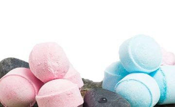 £9 instead of £39.96 for four hidden treasure bath bombs from Forever Cosmetics - save 77%