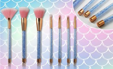 £6.99 instead of £29.99 for a seven-piece glamza blue mermaid glitter brush set from Forever Cosmetics - save 77%