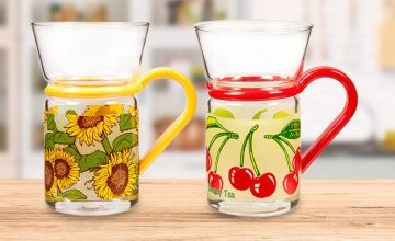 £5.49 instead of £17.50 (from Dream Price Direct) for a pack of six decorative tea glasses – choose from 14 designs and save 69%