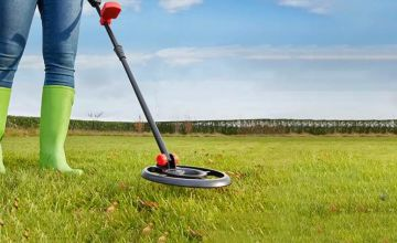 £24.99 instead of £66.95 (from CJ Offers) for a standard metal detector set, £46.99 for an advanced user set - save up to 63%