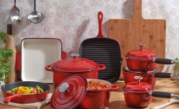 £54.99 instead of £125.95 (from CJ Offers) for a three piece cast iron kitchenware set, £114.99 for five pieces or £169.99 for eight - update your kitchen and save up to 56%