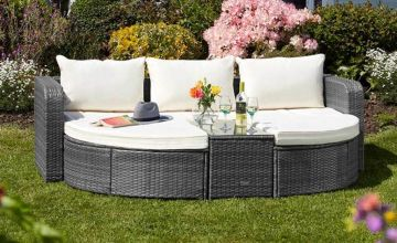 £429 instead of £778.96 (from CJ Offers) for a rattan day bed or £459 for a day bed with cover - save 45%