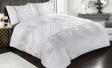 £18.99 instead of £41 (from E Home Store) for a single Eleanor duvet cover set, £23.99 for a double, £25.99 for a king or £27.99 for a super king - save up to 54%