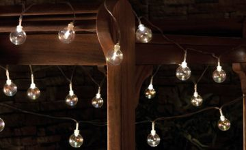 £8.99 instead of £29.99 (from CJ Offers) for a set of 20 solar glass bubble string lights and save 70%