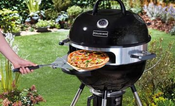 """£140 instead of £179.95 (from CJ Offers) for a 21"""" kettle barbecue with pizza ring, stone & paddle or £160 for a kettle barbecue with cover - save up to 22%"""