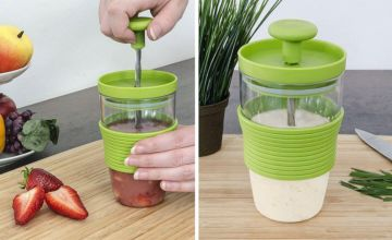 £4.99 instead of £19.99 (from Deal Berry) for a 300ml heat-resistant smoothie maker - save 75%