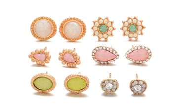 £6 (from KwikShoppy) for a set of six pairs of stud earrings!