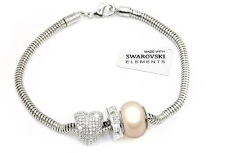 £21.98 instead of £89.99 (from Victoria's Candy) for a charm bracelet made with crystals from Swarovski® - save 76%