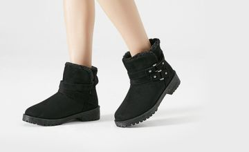 £14.99 instead of £49.99 (from Blu Fish) for a pair of winter fur-lined ankle boots - save 70%