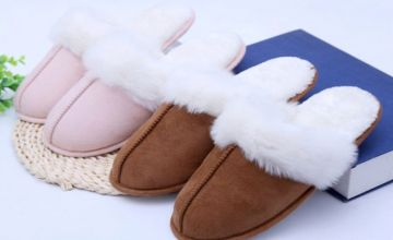£7.99 instead of £20 (from SpeZ Zee) for a pair of women's faux fur slippers - save 60%