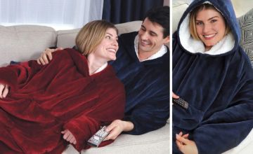 £14 instead of £39.99 (from WowWhatWho) for a cosy oversized blanket with hood and sleeves - save 65%