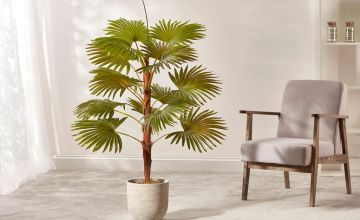 £39.99 instead of £97.95 (from CJ OFFERS) for a 120cm artificial fan palm plant – save 59%