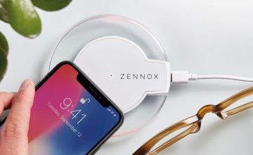 £4.99 instead of £14.99 (from CJ Offers) for a Zennox wireless charger base and adaptor – save 67%
