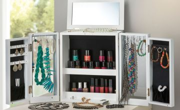 £24.99 (from CJ Offers) for a large table top jewellery organiser and display case!