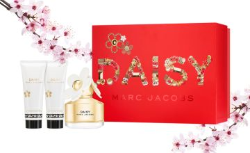 £42.99 instead of £57 for a Marc Jacobs Daisy EDT Gift Set - get a 50ml EDT, 75ml body lotion and 75ml shower gel and save 25%