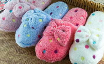 £4.99 instead of £19.99 (from My Brand Logic) for a pair of warm soft bow slippers - choose your colour and size and save 75%